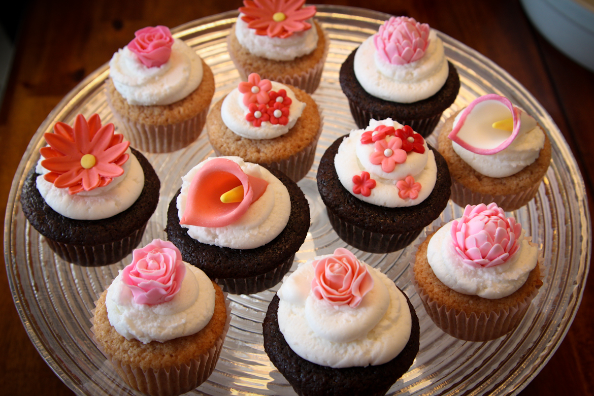 Pink Flowers Cupcakes Rebecca Cakes Bakes