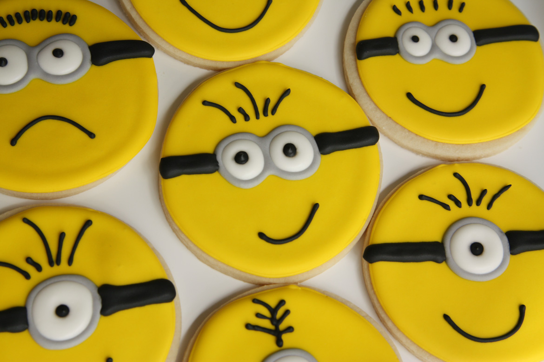 Minion Sugar Cookies Rebecca Cakes Amp Bakes