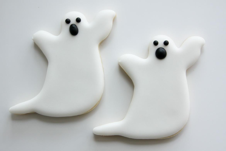 Halloween Ghost Cookies Rebecca Cakes Amp Bakes