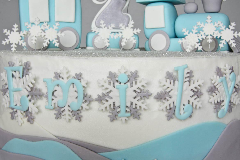 Winter Snowflake Cakes